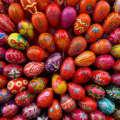 Как красить яйца
